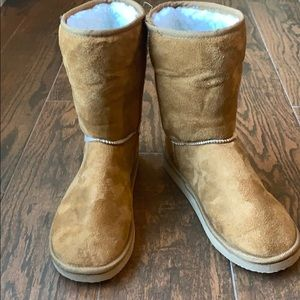 Faux Suede Sherpa Lined Boots
